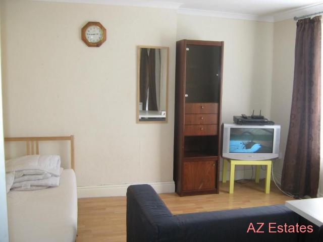 Probably the biggest room on gumtree this week, all bills and internet included, next to station