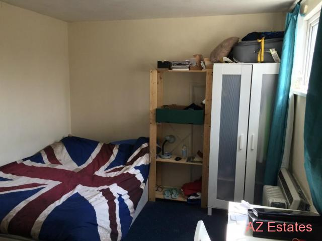 SINGLE ROOM TO LET IN GOLDERS GREEN FOR 1 PERSON INCLUDING ALL BILLS AND INTERNET NO FEES