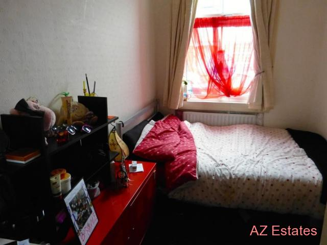 SINGLE ROOM TO LET IN HENDON CENTRAL INCLUDING ALL BILLS AND INTERNET AVAILABLE TO VIEW TODAY