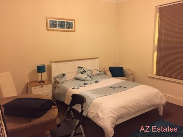 Room available King size double in house share(sky sports/Broadband)