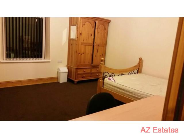 Rooms To Let In A Refurbished House Students Only Bills Included For July