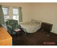 **ALL BILLS INCLUDED AND FREE WIRELESS INTERNET** ONE BEDROOM FULLY FURNISHED ROOM IN A SHARED ACCOM