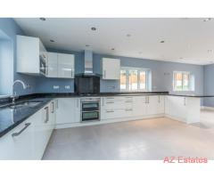 Fantastic 5 bedroom house for sale in excellent location
