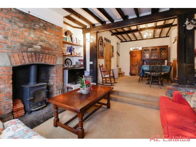 A charming character cottage in the village of Hunsdon