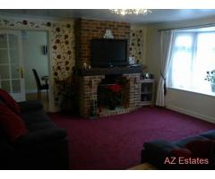 FOUR BEDROOM DETACHED BUNGALOW IN HULLBRIDGE ESSEX