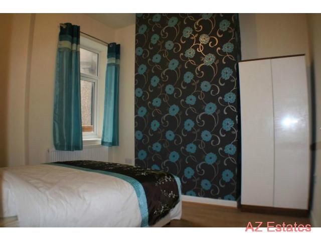 Double Room To Let in a very nice house near to Manchester University 250 for month