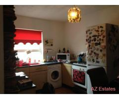 Extremely Large 2 Bed plus study/dressing room First Floor Flat - Carlton