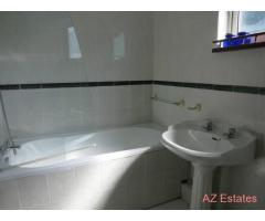 A VERY LOVELY AND SPACIOUS DOUBLE ROOM TO LET AVAILABLE NOW !!!