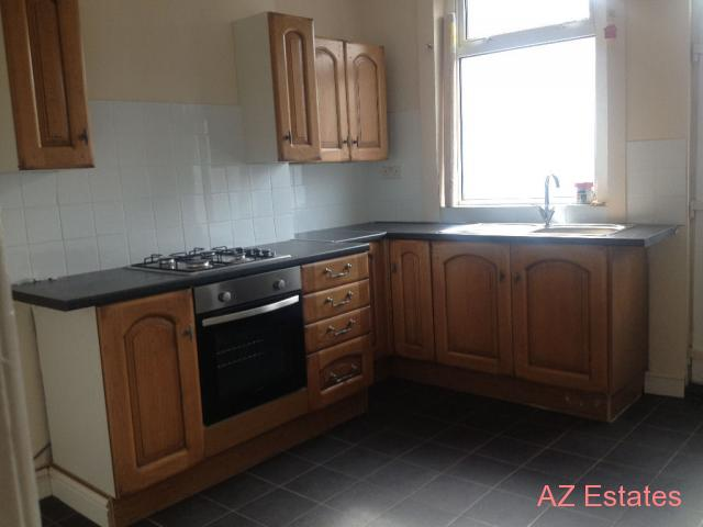 2 Bed Terrace, Town Centre. Refurbished to a high standard ready to move into straight away. b
