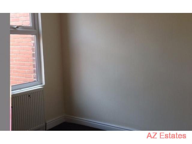 Fully refurbished 2 bedroom terraced house