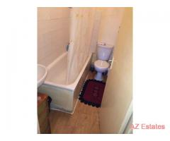 High Road Leyton Onebed room 1st floor Flat £850 including council tax & water bill